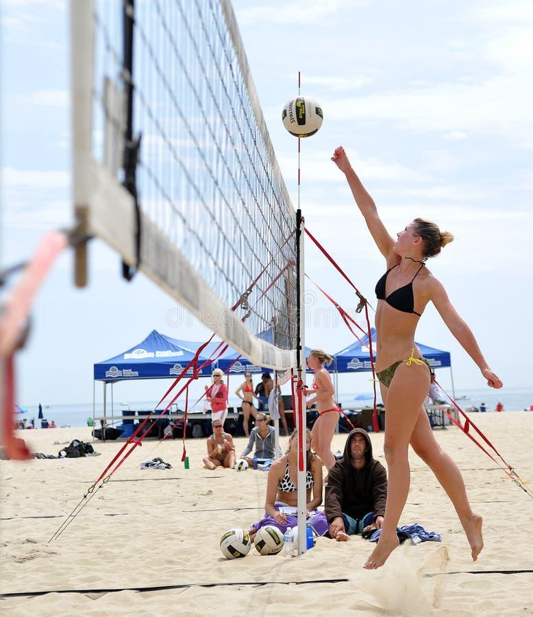 волейбол johnston rachel блока пляжа стоковое изображение