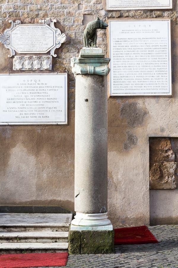 Волк Capitoline с Romulus и Remus, Римом, Италией, Европой стоковое изображение rf