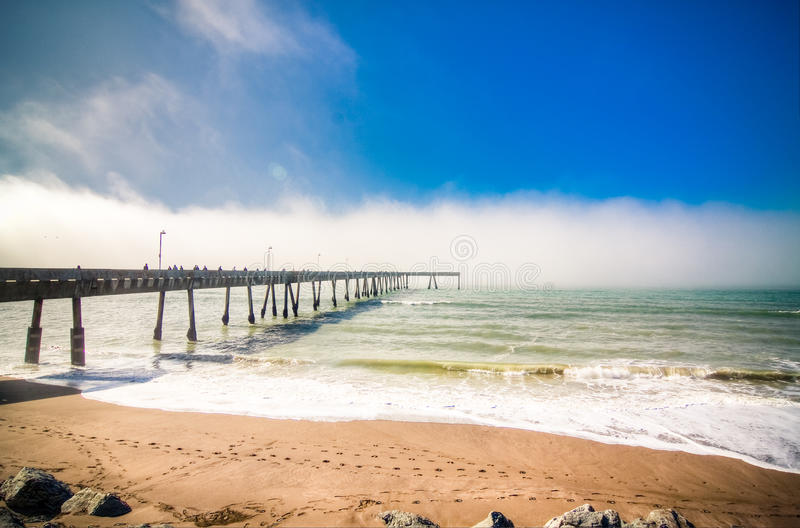 волна моря пристани pacifica california стоковое изображение rf