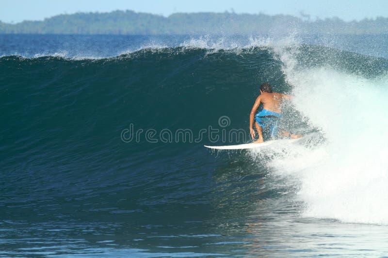 волна серфера Индонесии стоковые изображения