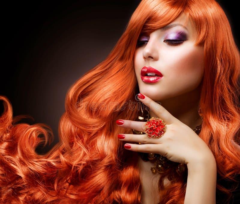 волнистое волос красное