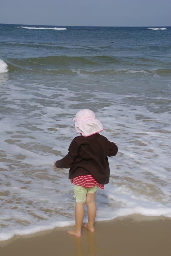 волны малыша наблюдая стоковые фото