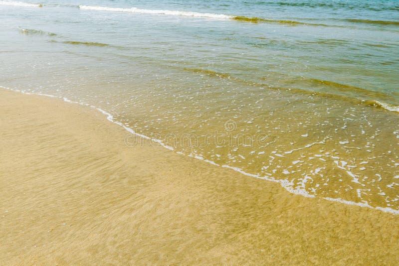 Волны на пляже Colva стоковые фотографии rf
