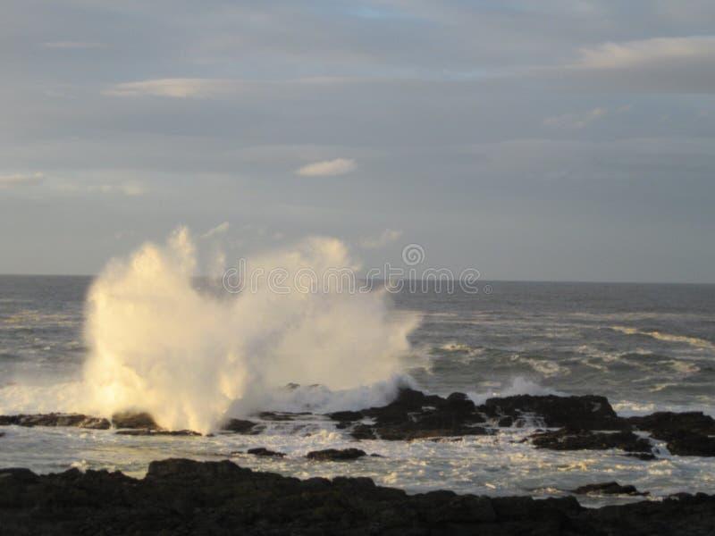 Волны полной воды стоковые изображения