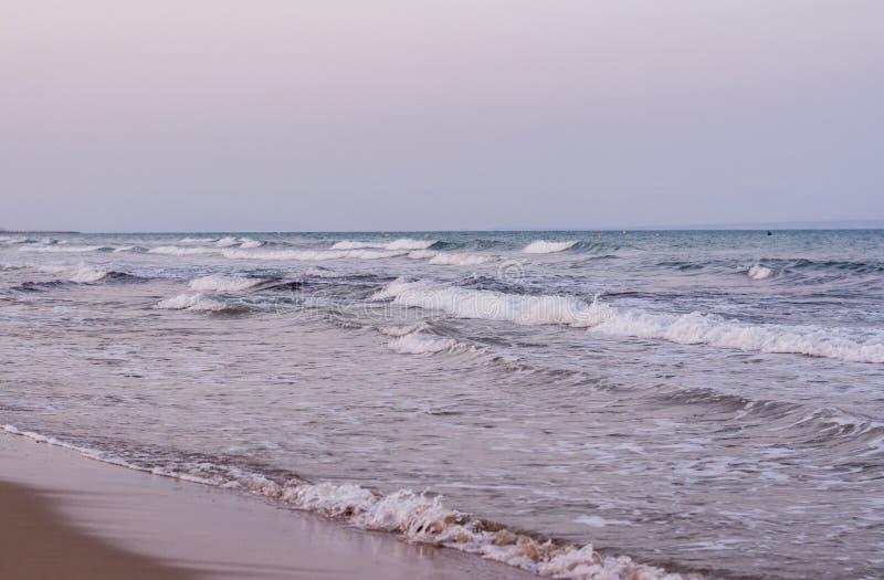 Волны прибоя на море стоковое фото rf