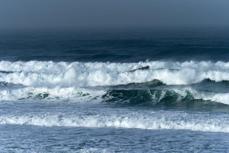 волны шторма стоковая фотография rf