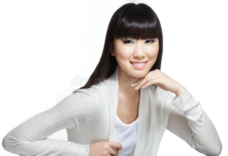 волосы азиатской красотки китайские длиной шелковистые стоковое изображение rf
