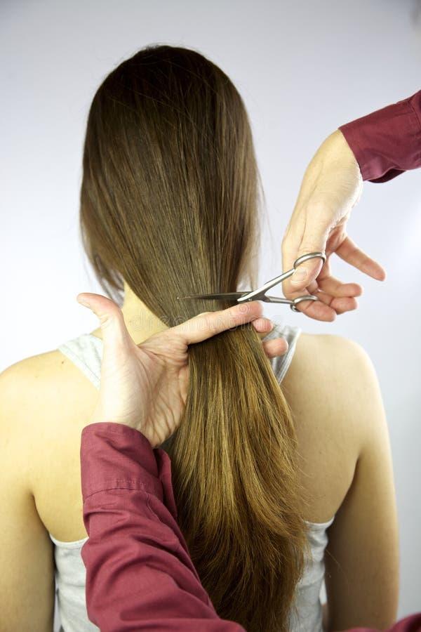 волосы вырезывания длиной очень стоковая фотография