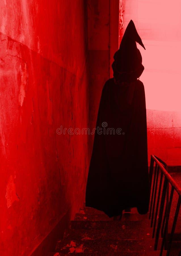 Волшебник идет вниз с лестниц стоковое фото rf