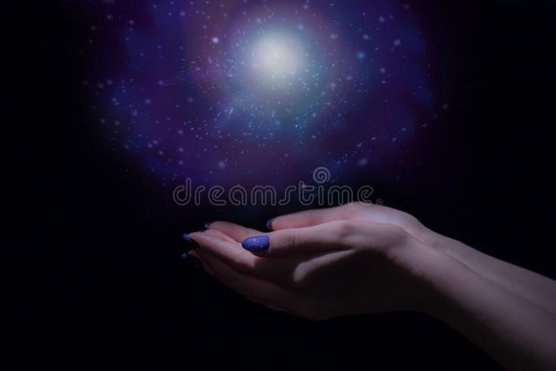 Волшебный свет в руке стоковое фото rf