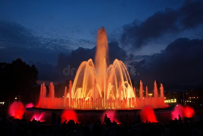 волшебство фонтана montjuic стоковая фотография rf