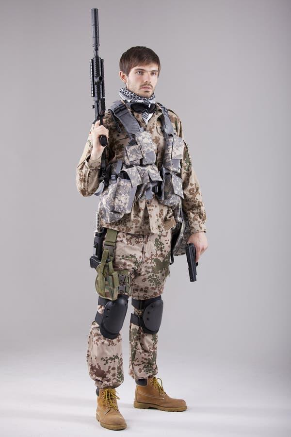 вооруженный тяжелый воин стоковые изображения rf