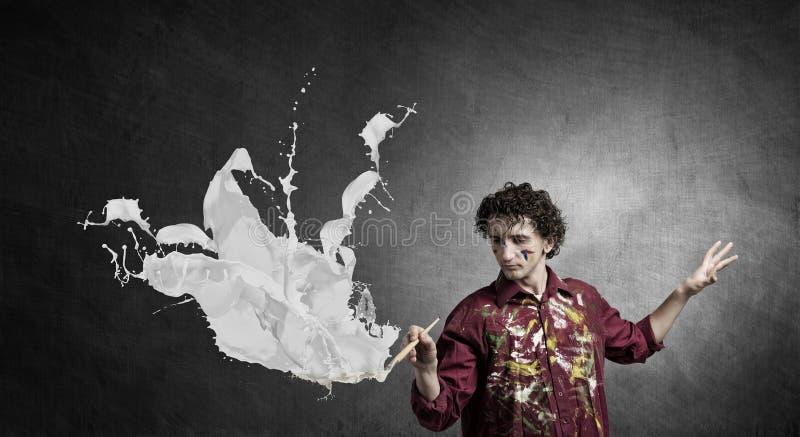 Download Воодушевленность художника Гая ждать Мультимедиа Стоковое Фото - изображение насчитывающей человек, мужчина: 81808642