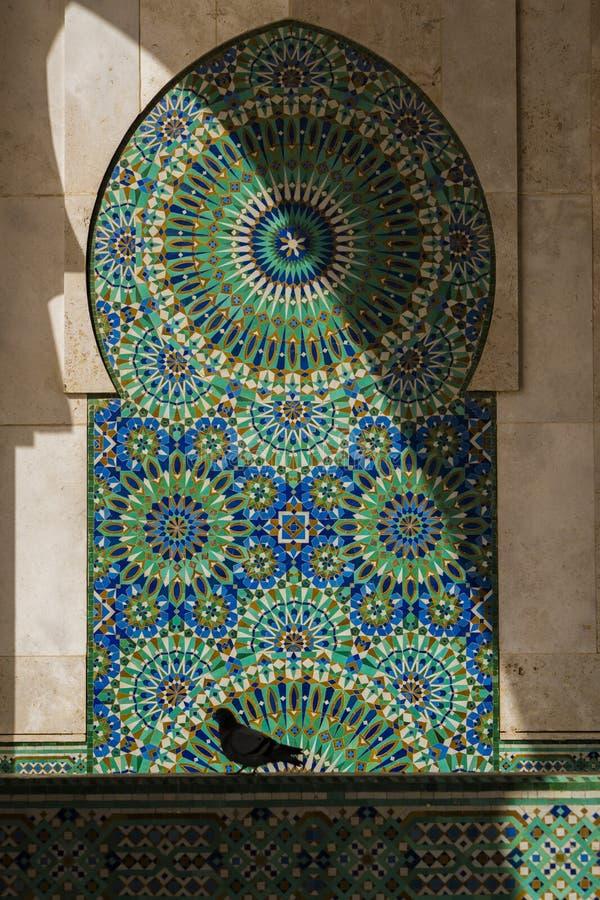 Ворона в мечети Хасана II стоковая фотография