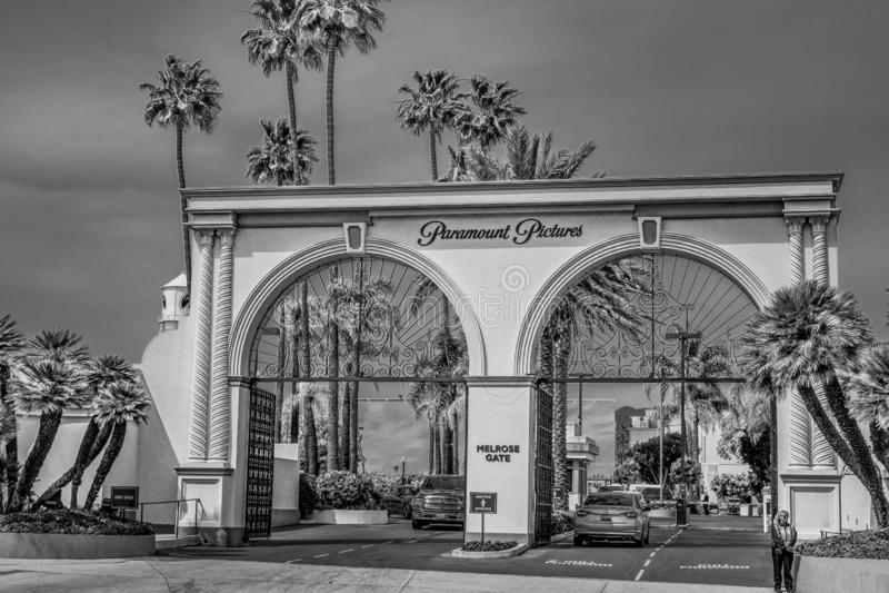Ворота Мелроуза киностудий Paramount Pictures на Лос-Анджелесе - КАЛИФОРНИЯ, США - 18-ОЕ МАРТА 2019 стоковое изображение rf