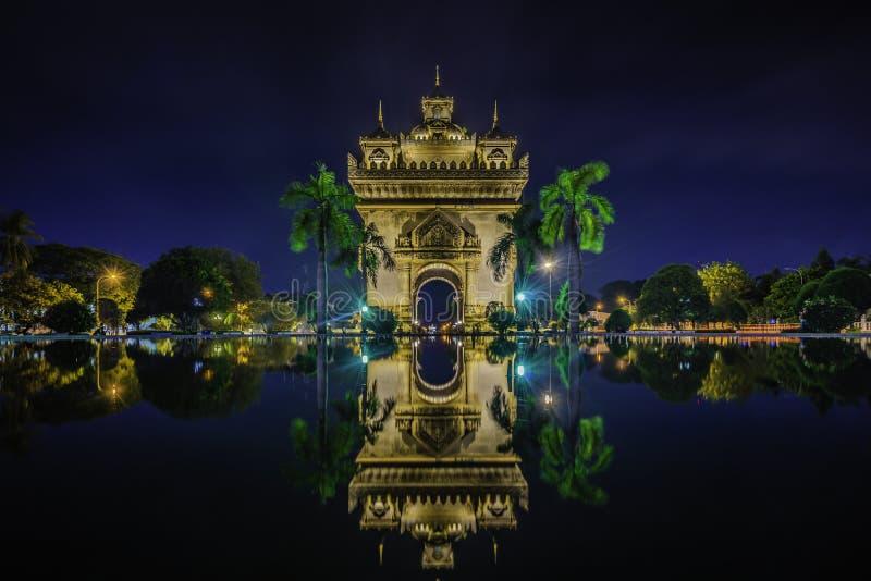 Ворота триумфа, Вьентьян Patuxai, Лаос стоковое изображение