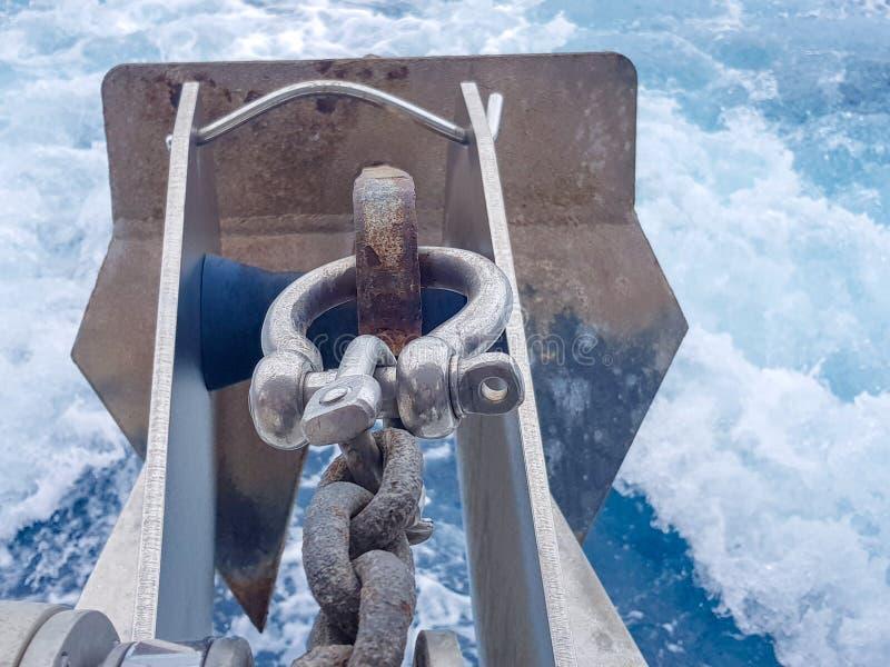 Ворот анкера с дном анкера и море с дном волн стоковые изображения rf