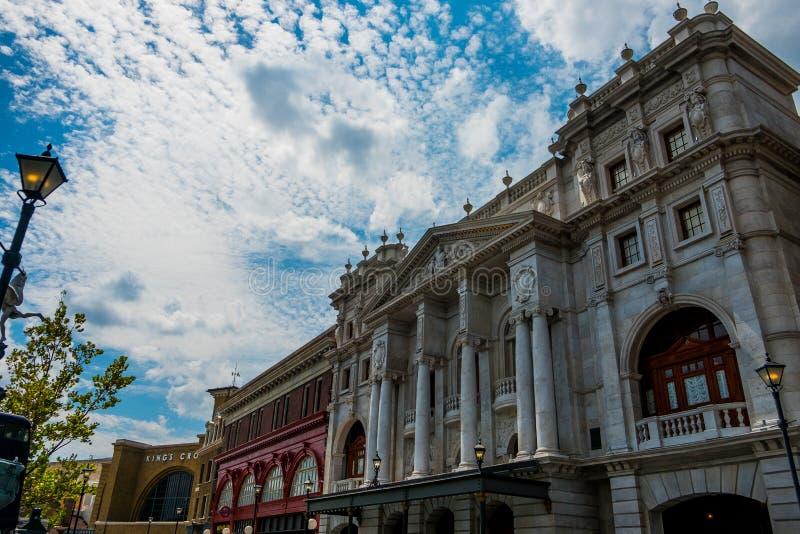 Воссоздание здания стиля Лондона мира Гарри Поттера на студии Universal в Орландо Флориде стоковые изображения rf