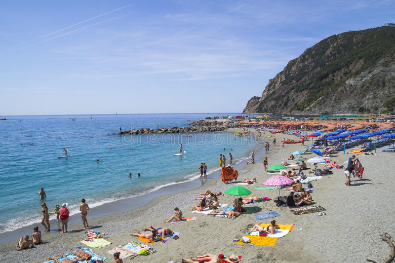 Воссоздание на пляже конематки al Monterosso стоковая фотография