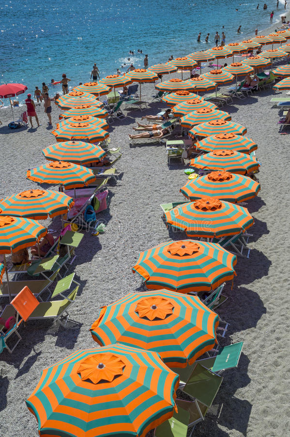 Воссоздание на пляже конематки al Monterosso стоковое изображение rf