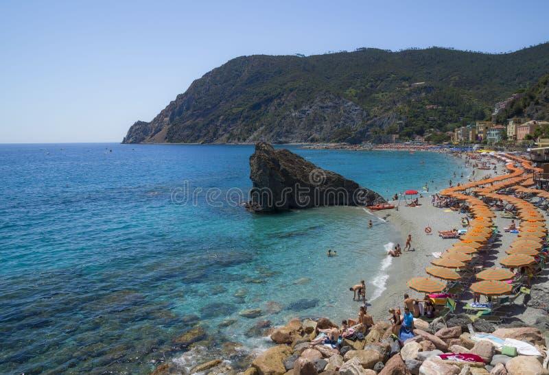 Воссоздание на пляже конематки al Monterosso стоковые изображения rf