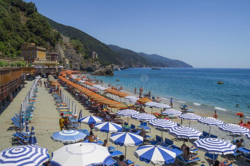 Воссоздание на пляже конематки al Monterosso стоковые фотографии rf