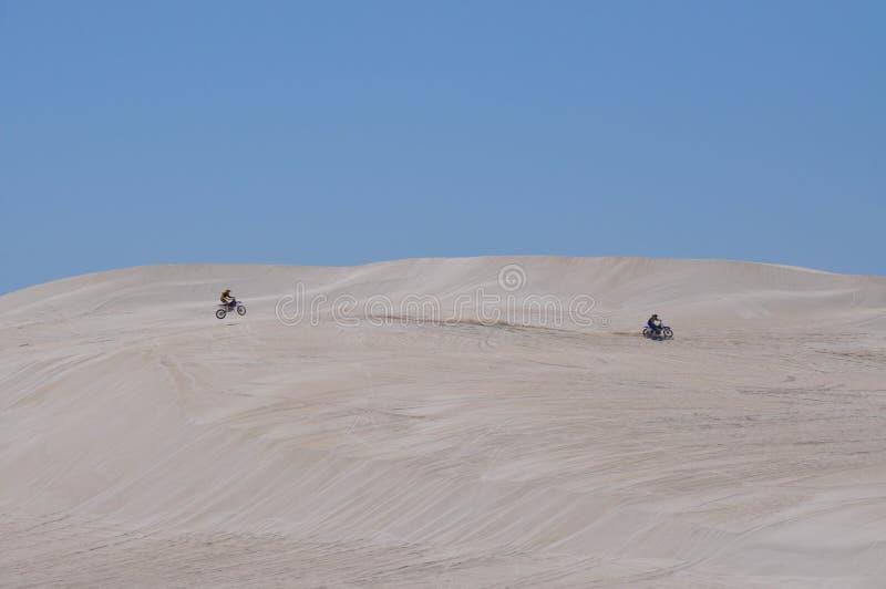 Воссоздание песчанных дюн Lancelin в западной Австралии стоковое фото