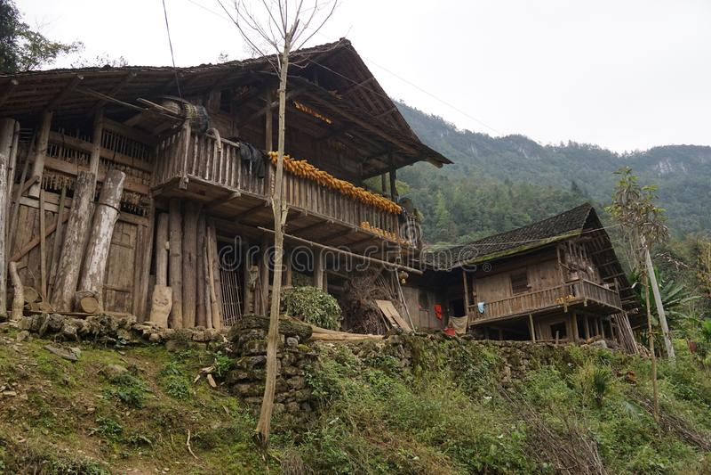 Восточная Азия, южный западный Китай, этническая деревня в горной области стоковое фото