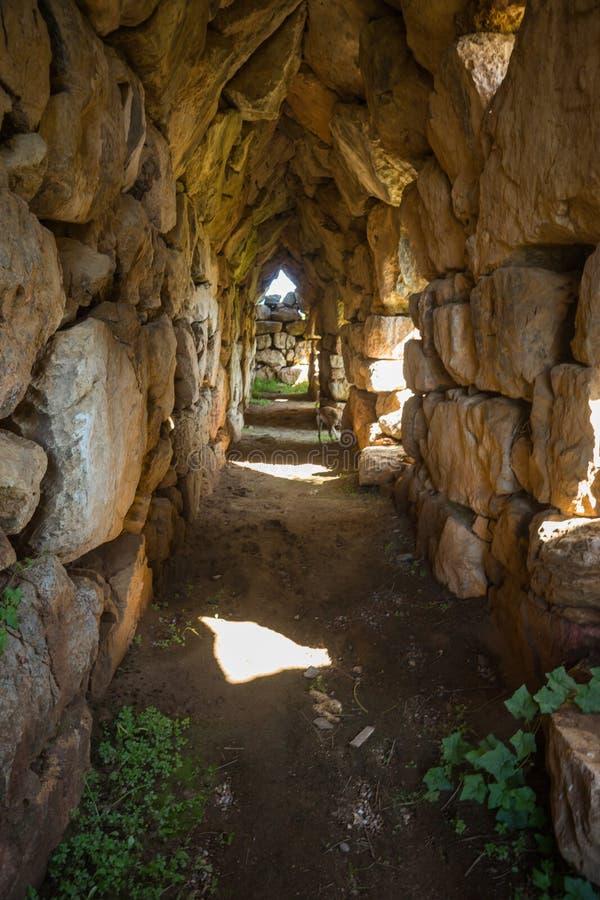 Восточная галерея акрополя Tiryns стоковая фотография rf