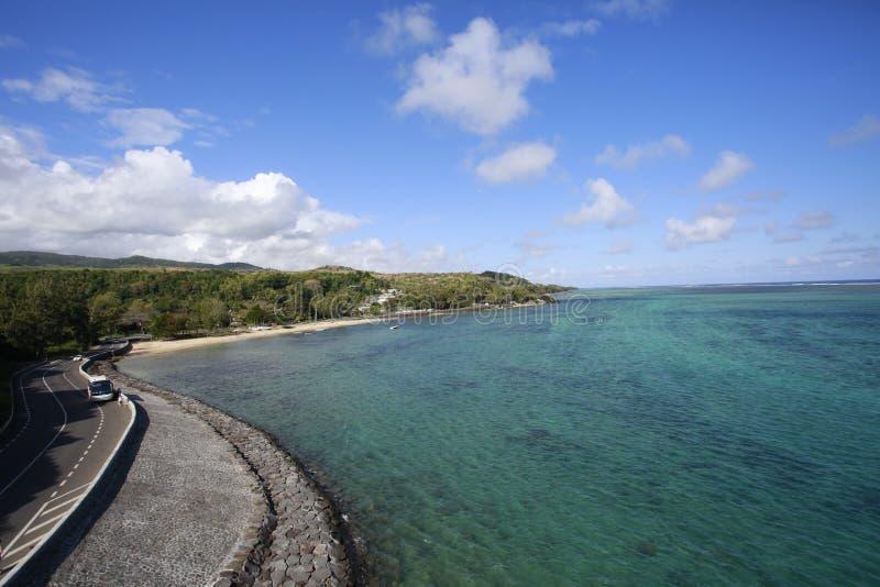 Восхитительная unsurpassed береговая линия, линия дня воды стоковая фотография rf