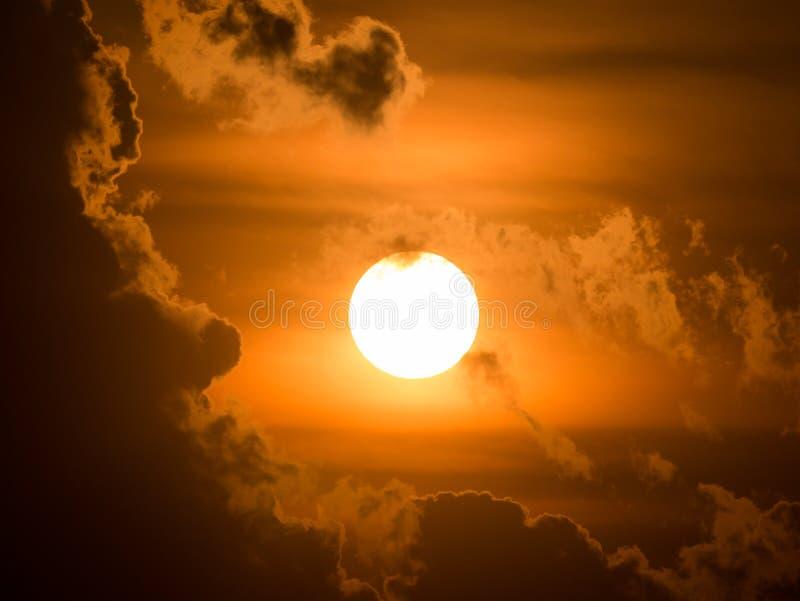Восхода солнца продукция мощно солнечное стоковое изображение
