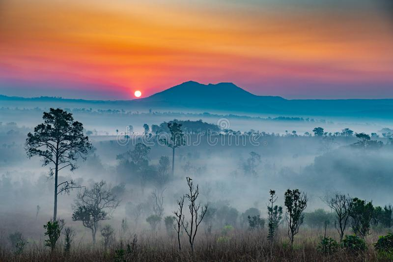 Восход солнца в горах стоковая фотография rf