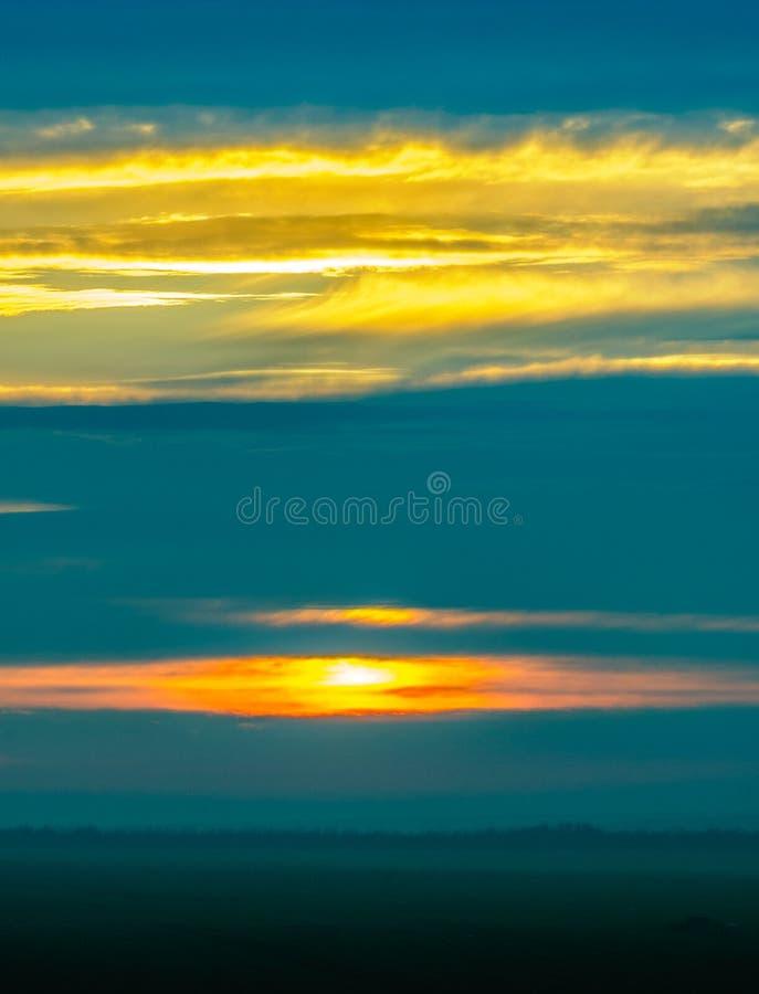 Восход солнца в Yambol, Болгарии стоковое изображение