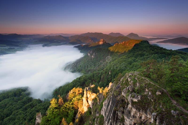 восход солнца горы утесистый стоковое фото