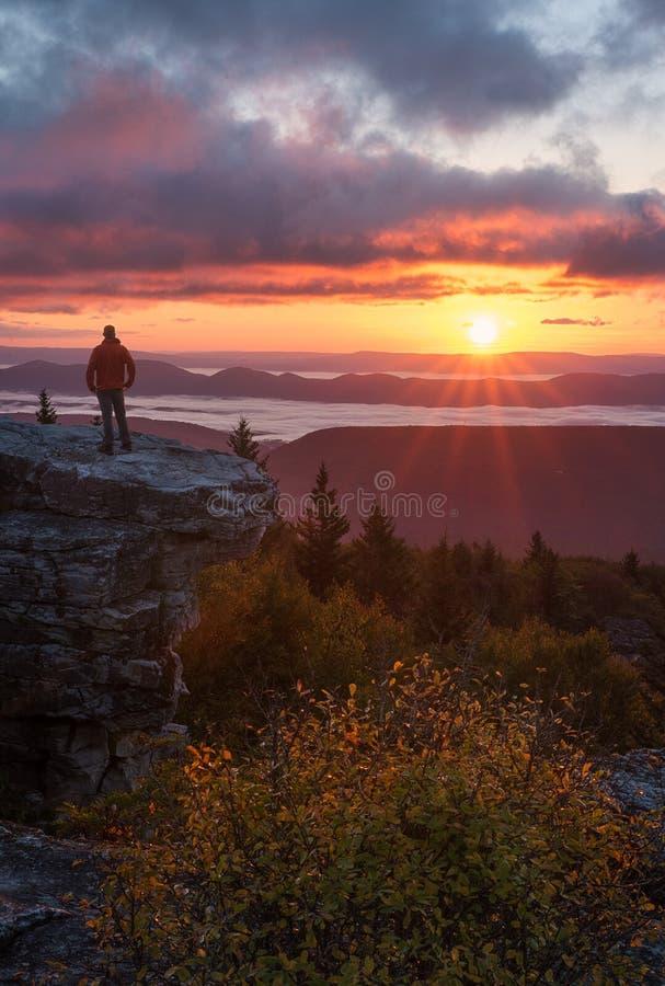 Восход солнца Западная Вирджиния глуши дернов тележки стоковые изображения rf
