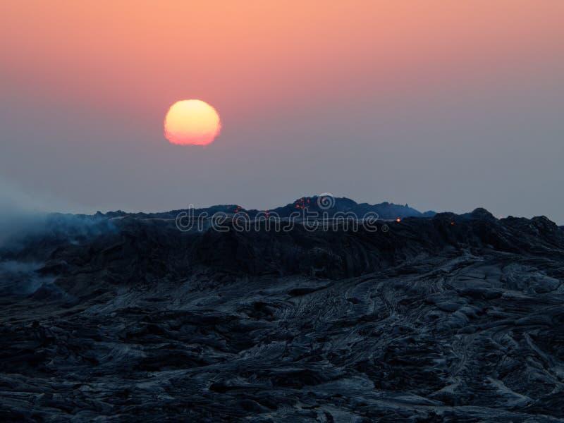 Восход солнца над элем erta в Эфиопии стоковое изображение