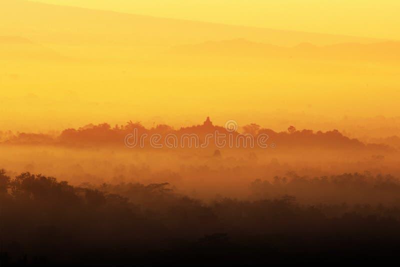 Восход солнца на виске Borobudur, Индонезии стоковое изображение