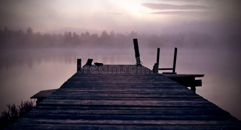Восход солнца озером стоковая фотография rf