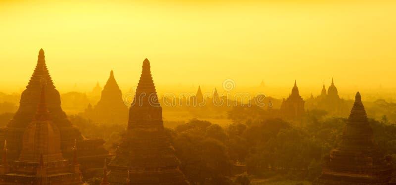 Восход солнца панорамы Bagan стоковое изображение