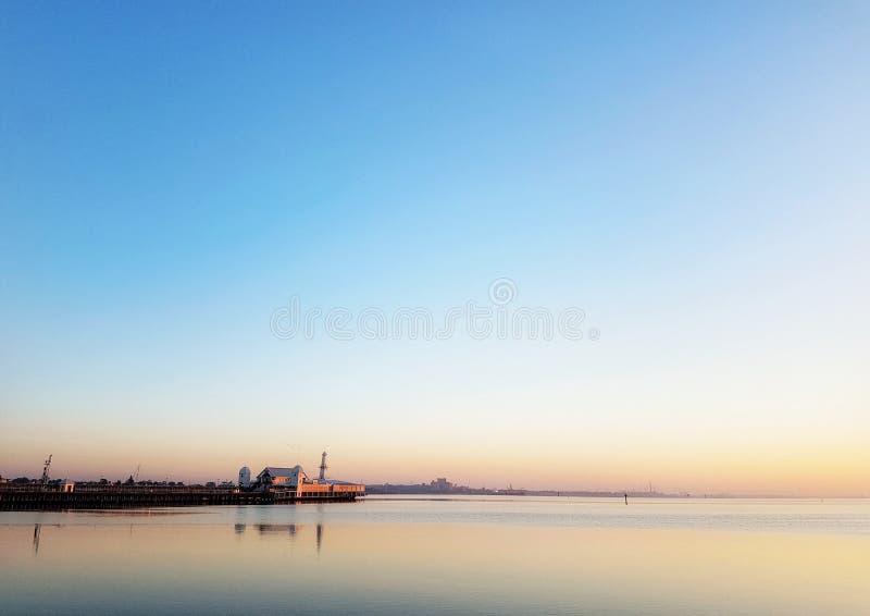 Восход солнца портового района стоковые изображения rf