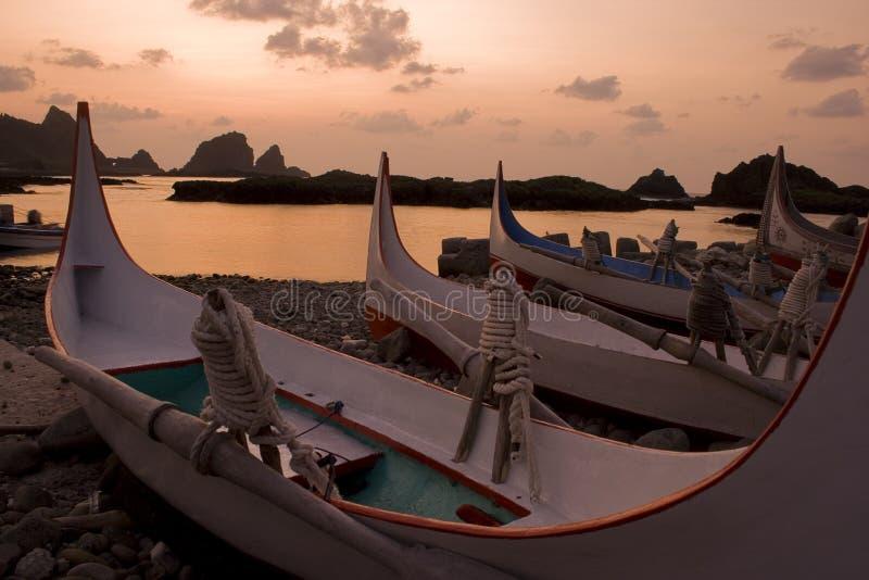 восход солнца pacific шлюпок стоковые фото