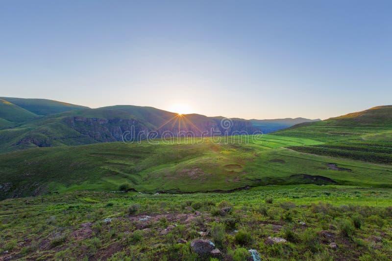 Восход солнца в Лесото около Semonkong стоковое фото rf