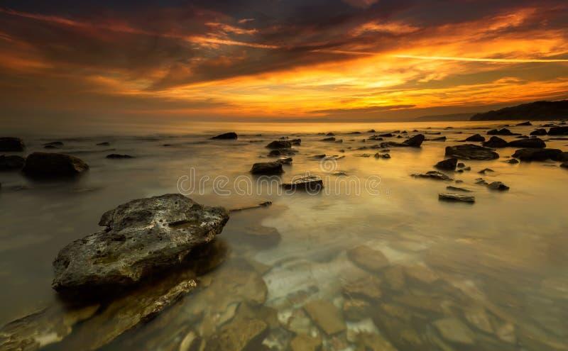 Download Восход солнца моря стоковое изображение. изображение насчитывающей рассвет - 37926225