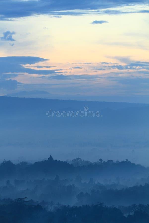 Восход солнца на виске Borobudur стоковое изображение rf