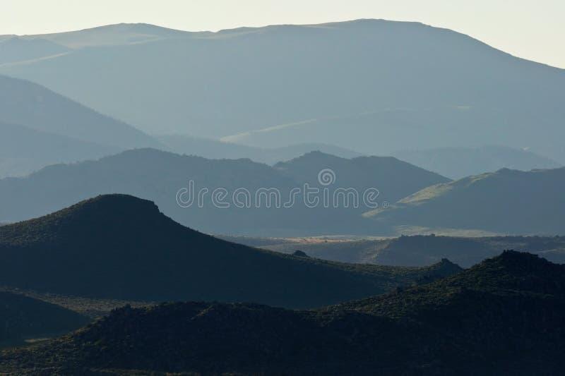 Восход солнца на восточных предгорьях Сьерры стоковые изображения