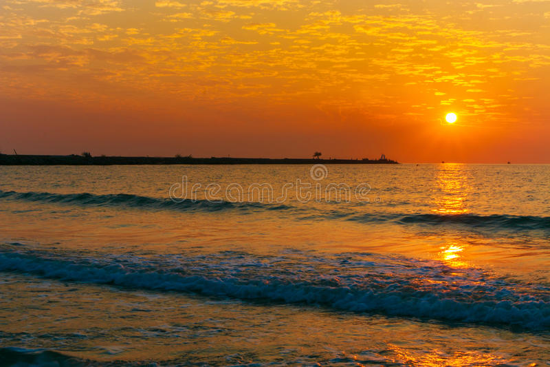 Восход солнца на пляже стоковое изображение rf