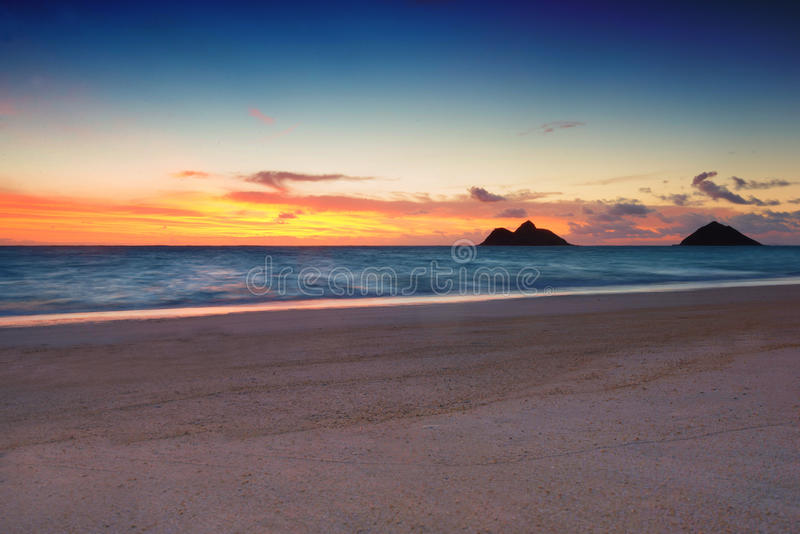 Восход солнца на пляже Lanikai, стоковые изображения rf