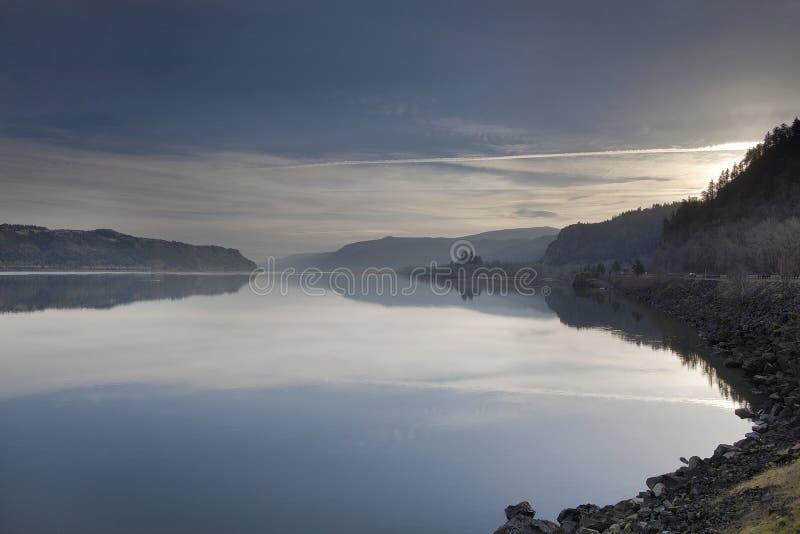 Восход солнца над ущельем Рекы Колумбия стоковое фото rf