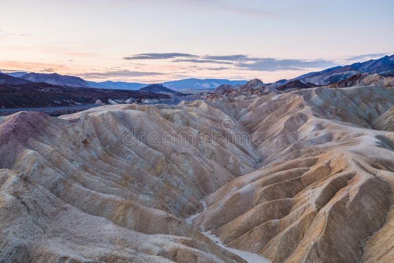 Восход солнца на этап Zabriskie в национальном парке Death Valley, Калифорнии, США стоковое изображение rf