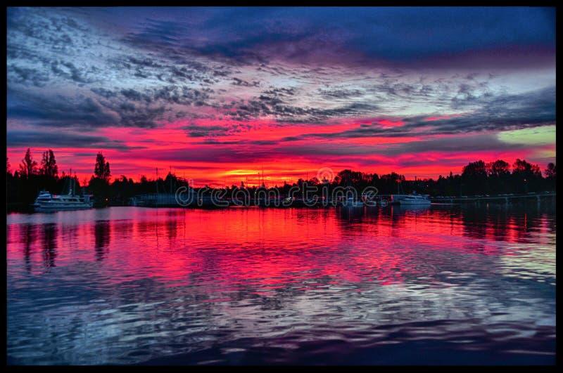 Восход солнца с моего дока стоковое изображение rf